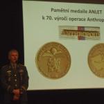 04_Byly-udeleny-i-pametni-medaile-Operace-Anthropoid