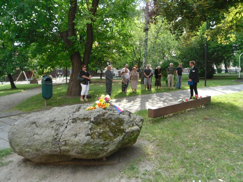 11-den-pamatatky-obeti-komunismu_pisek_vyzva k minute ticha