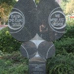 pomník dětských obětí - foto Svornost 2009